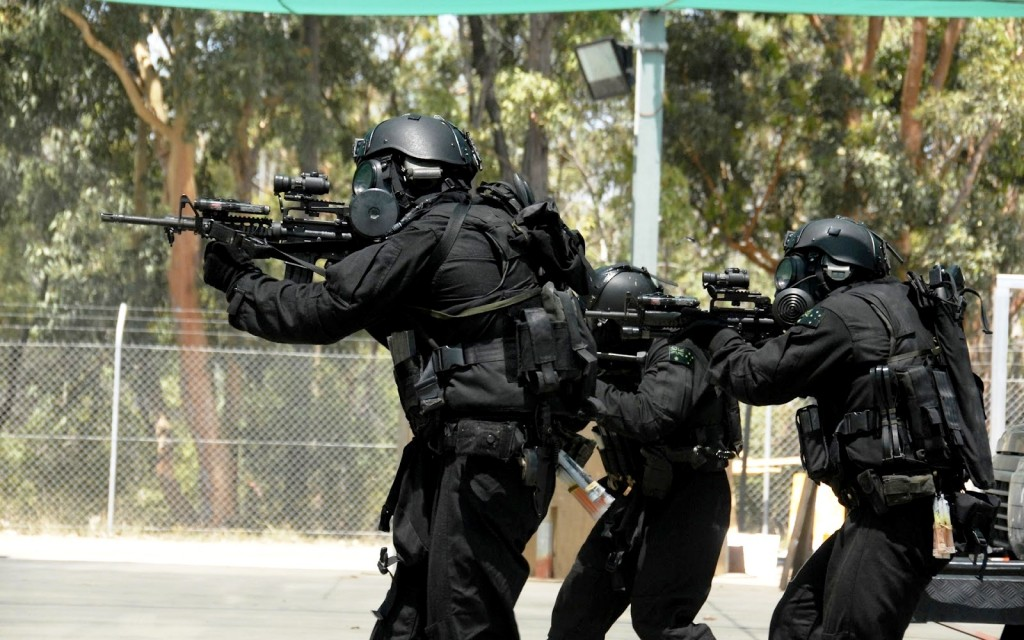 Special-Forces-Wallpaper-SWAT-1024x640